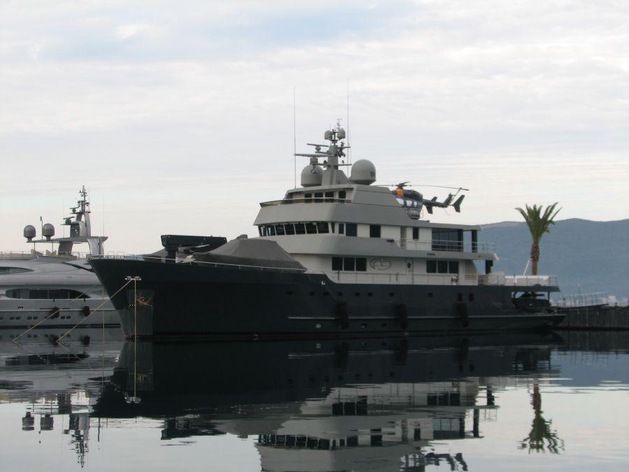 океанские моторные яхты