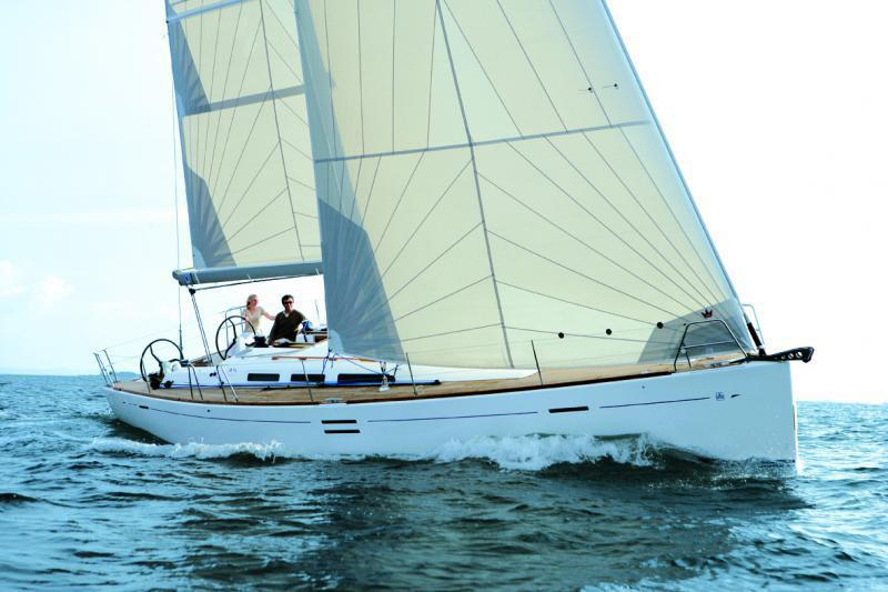 Парусная яхта Dufour 45E Perfomance