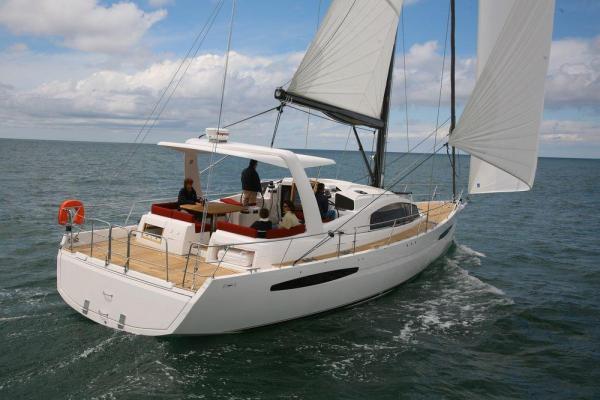 Парусная яхта Feeling 55