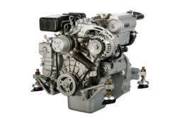 судовой двигатель