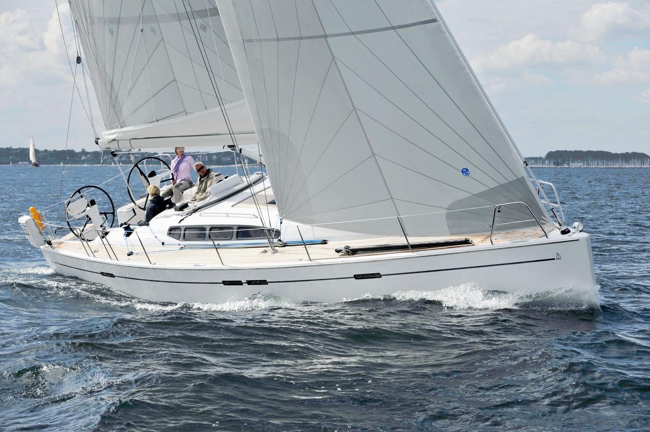 Парусная яхта Dehler 45