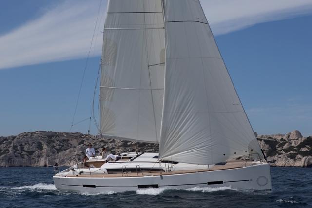 Парусная яхта Dufour 410 GL