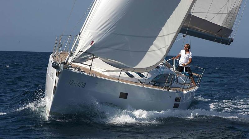 Парусная яхта Elan Impression 494