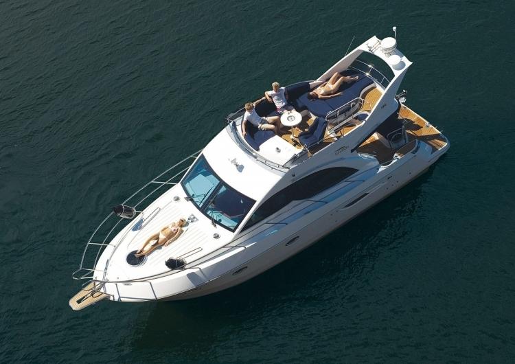 Моторная яхта Galeon 390 Fly