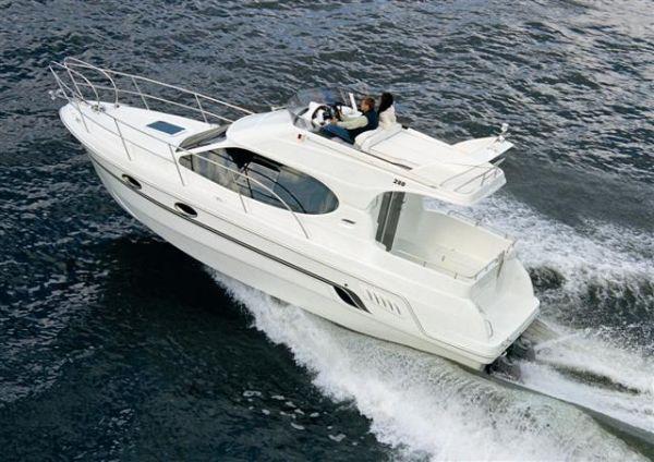 Моторная яхта Galeon 280 Fly