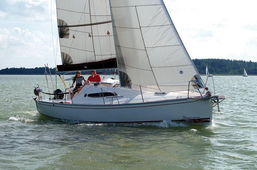 Парусная яхта Delphia 26