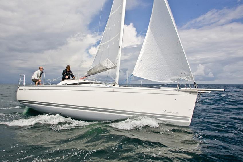 Парусная яхта Delphia 28