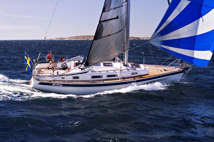 Парусная яхта Hallberg-Rassy 342