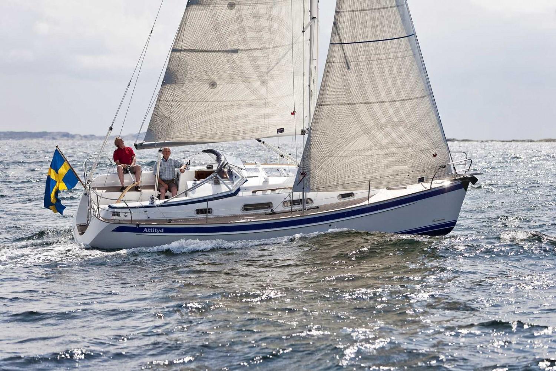 Парусная яхта Hallberg-Rassy 40