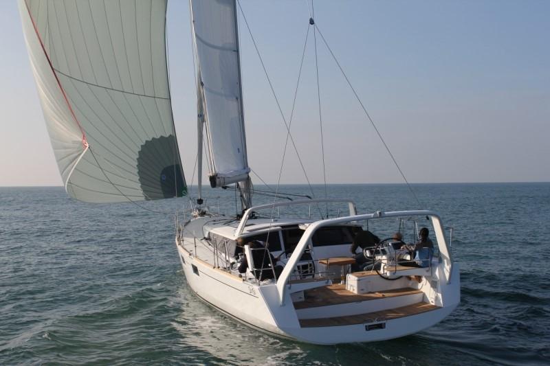 Парусная яхта Beneteau Sense 55