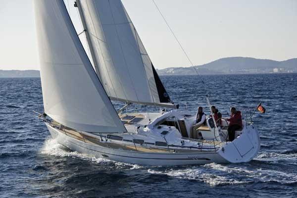 Парусная яхта Bavaria 38 Cruiser