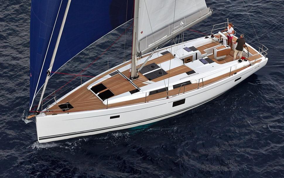 Парусная яхта Hanse 455