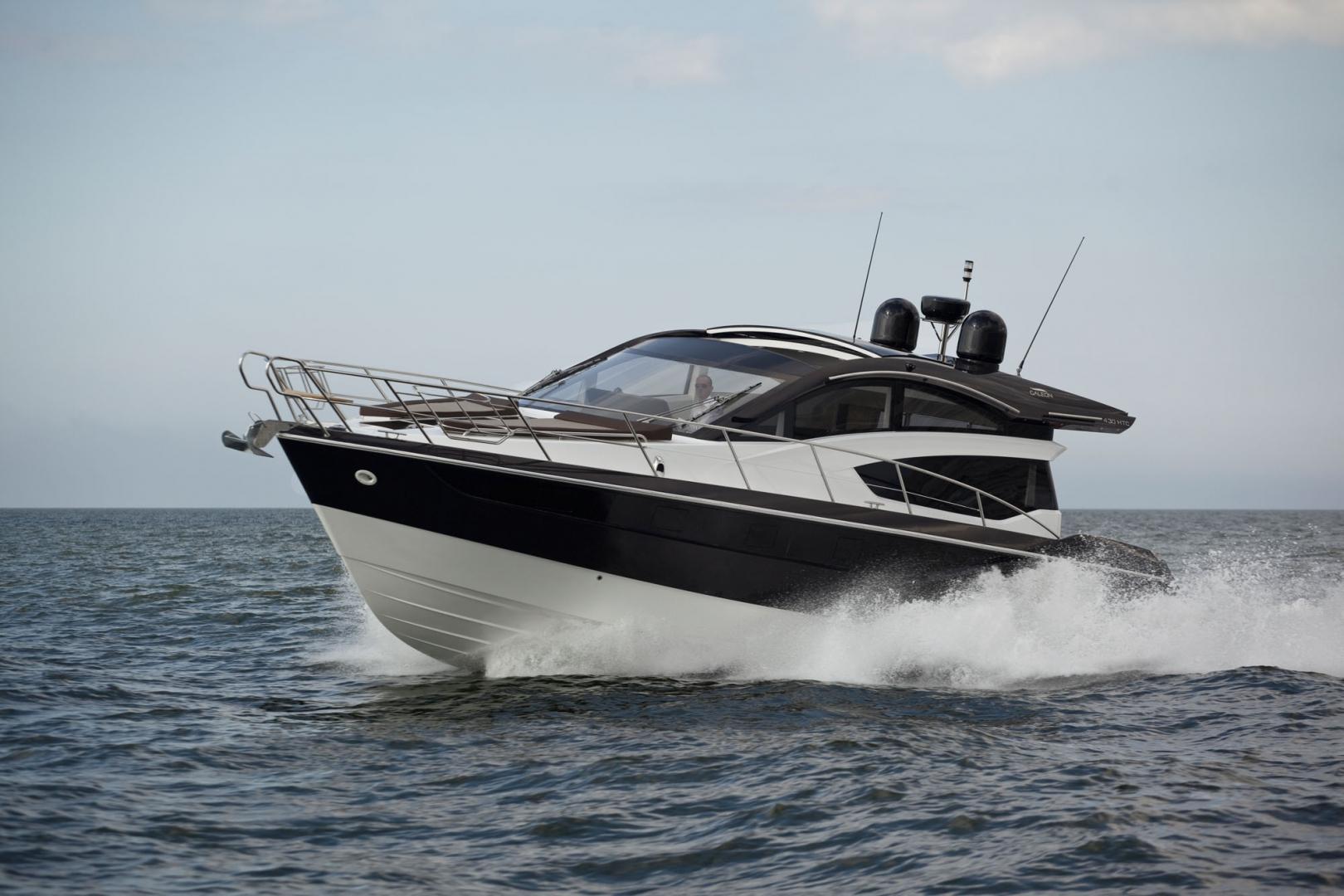 Моторная яхта Galeon 430 Htc