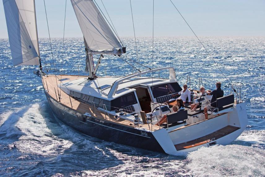 Парусная яхта Beneteau Sense 50