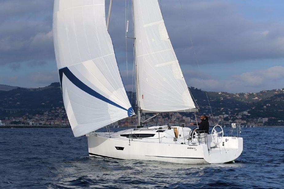 Парусная яхта Elan E3
