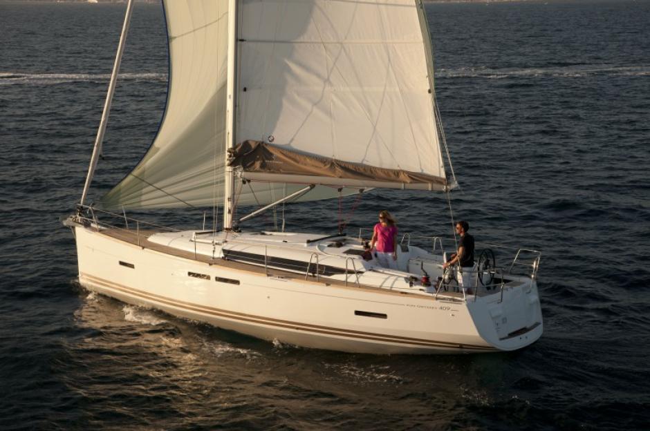 Парусная яхта Jeanneau Sun Odyssey 409