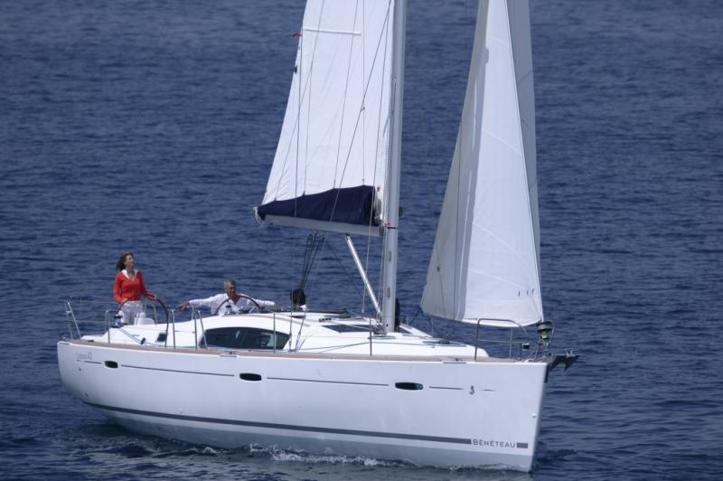 Парусная яхта Beneteau Oceanis 43