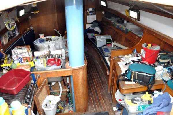 dirty-boat-nav-station