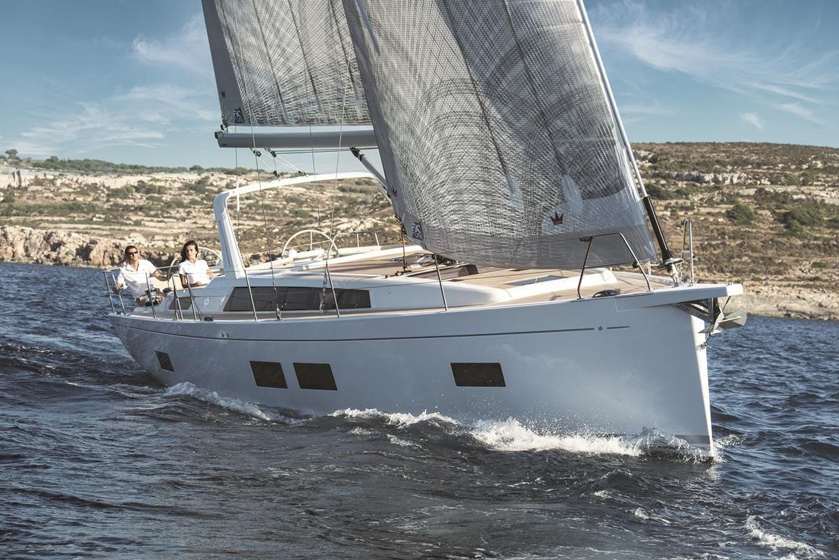 Парусная яхта Grand Soleil LC46