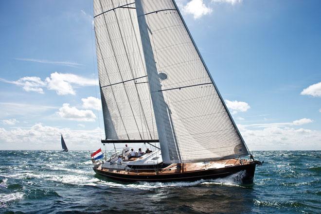 Парусная яхта Contest 57CS
