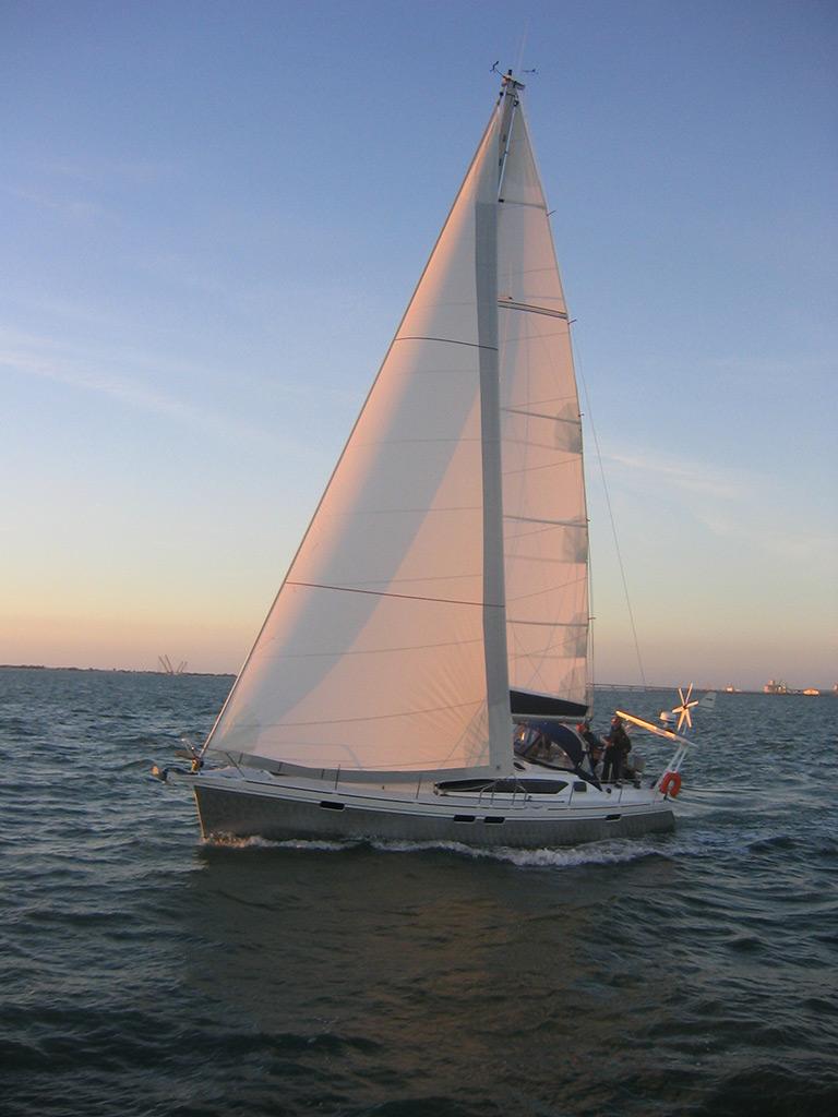 Парусная яхта Alubat Ovni 395