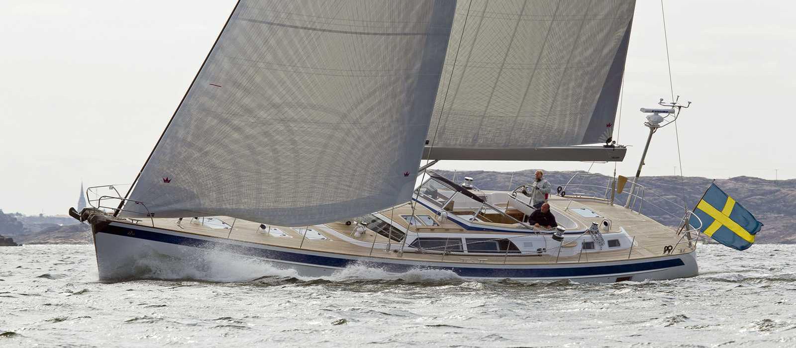 Парусная яхта Hallberg-Rassy 64