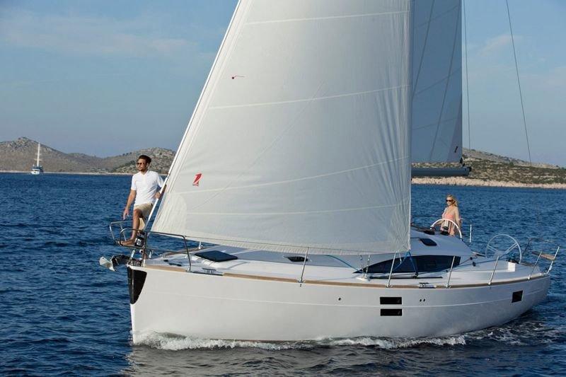 Парусная яхта Elan Impression 40