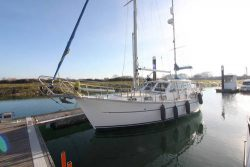 парусная яхта Nauticat 331