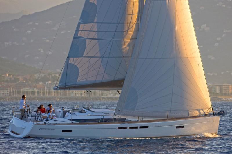 Парусная яхта Jeanneau Sun Odyssey 519