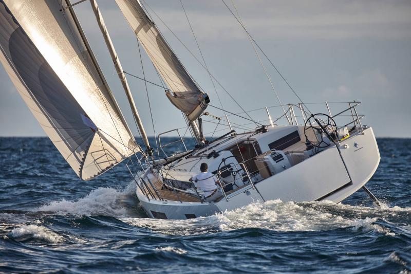 Парусная яхта Jeanneau Sun Odyssey 440
