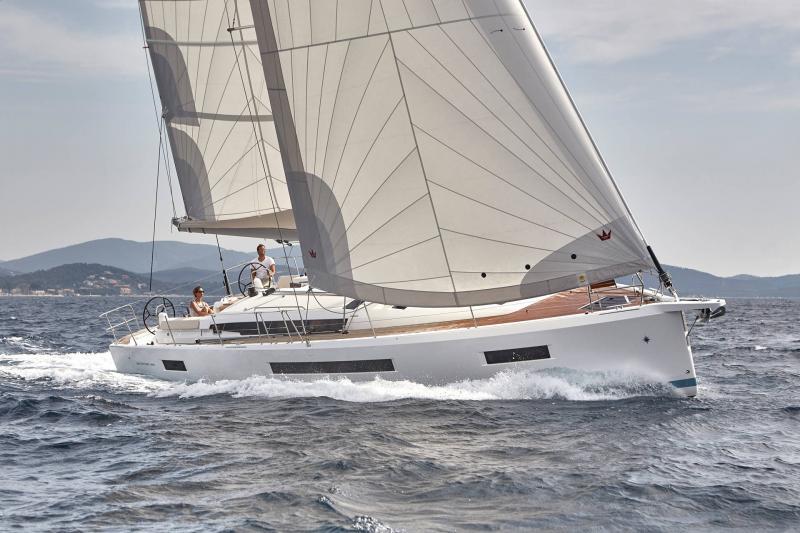 Парусная яхта Jeanneau Sun Odyssey 490