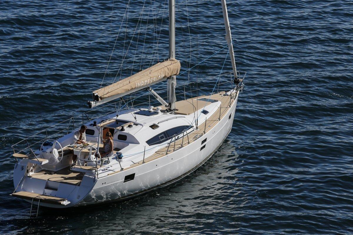 Парусная яхта Elan Impression 45