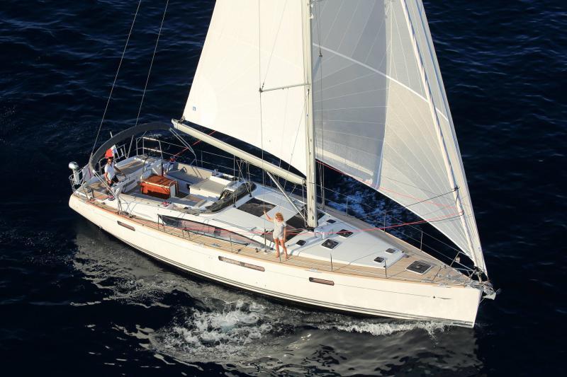 Парусная яхта Jeanneau 58