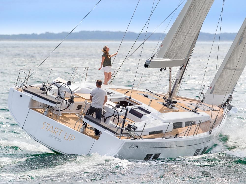 Парусная яхта Hanse 548