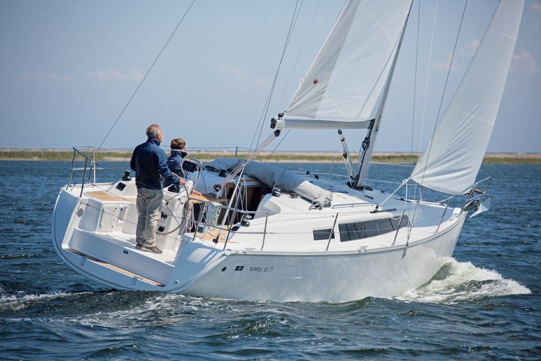 Парусная яхта Bavaria Easy 9.7