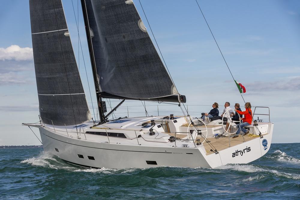 Парусная яхта Grand Soleil 48