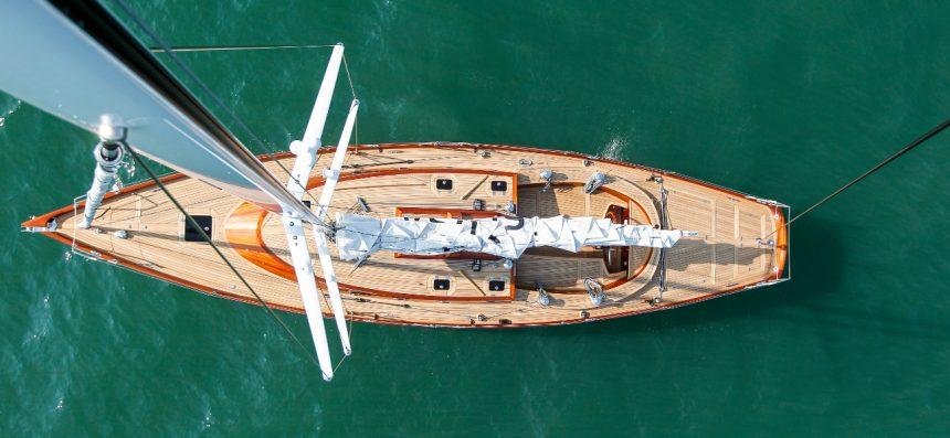 Парусная яхта Spirit 55CR