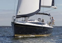 парусная яхта Marlow-Hunter 37