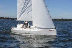 парусная яхта fareast18r