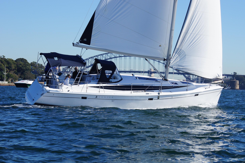Парусная яхта Marlow-Hunter 40
