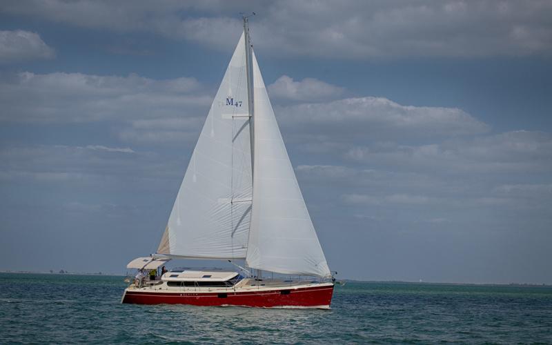 Парусная яхта Marlow Hunter 47