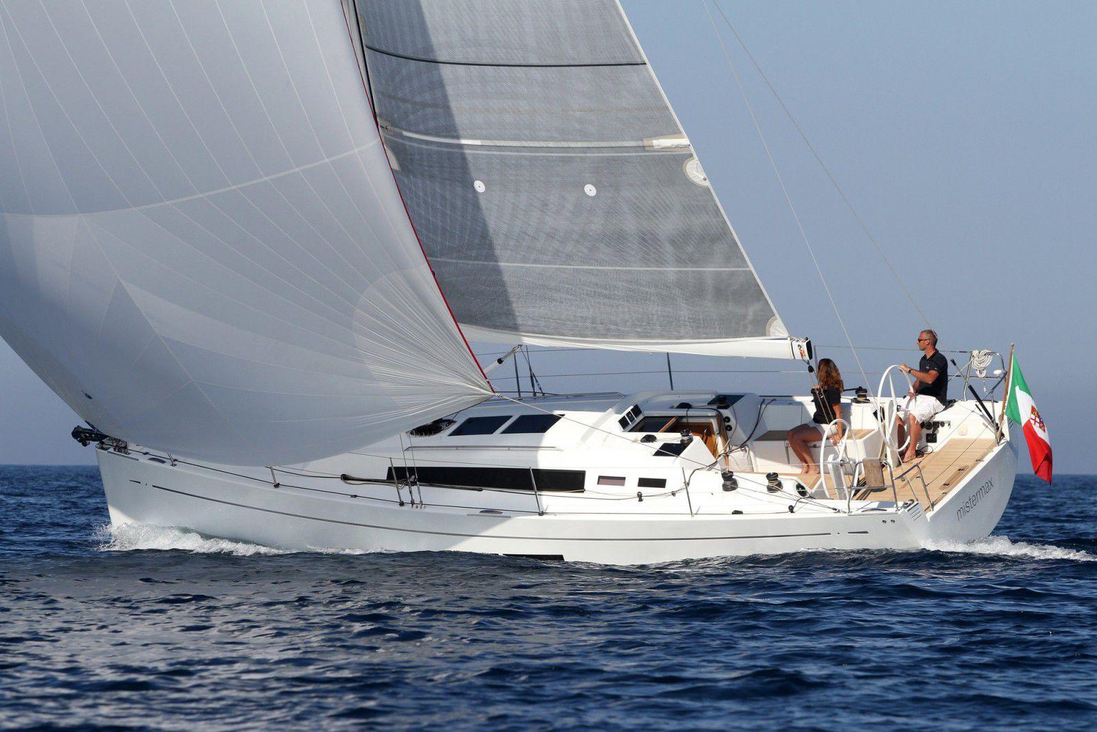 Парусная яхта Solaris 37