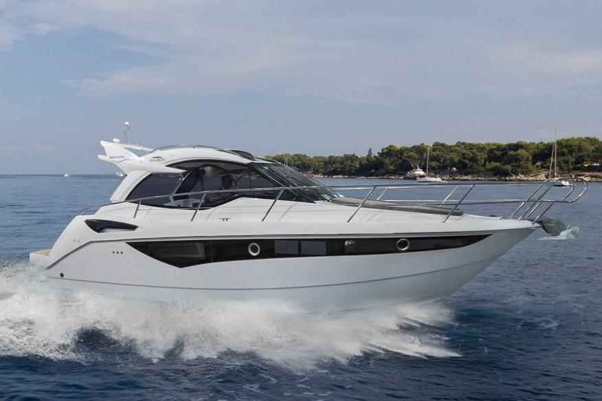Моторная яхта Galeon 305 HTS