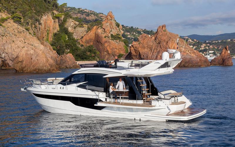 Моторная яхта Galeon 500 Fly
