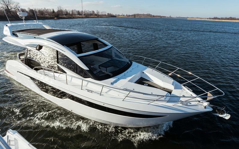 Моторная яхта Galeon 510 Skydeck