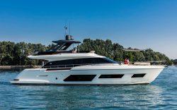 моторная яхта Ferretti 670