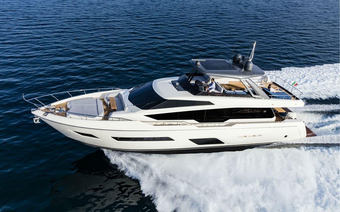Моторная яхта Ferretti 780