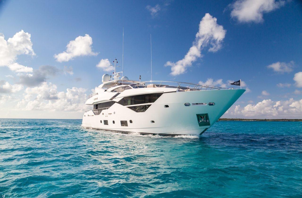Моторная яхта Sunseeker 116 Yacht