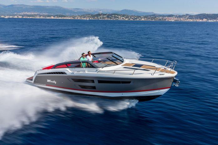Моторная яхта Windy Shamal 37