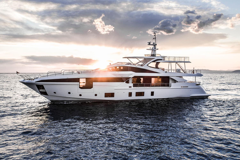 Моторная яхта Azimut Grande 35 METRI